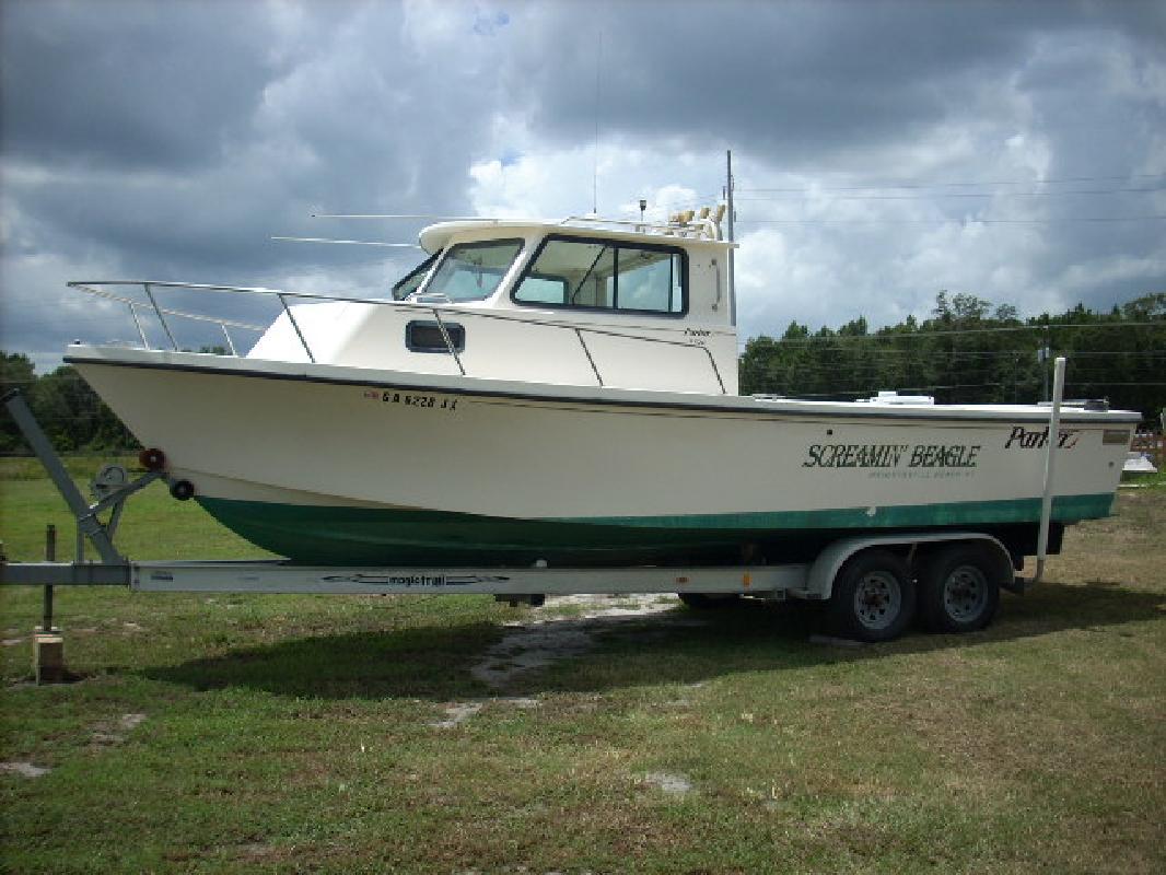 2000 26' Parker Marine 2520 Sport Cabin