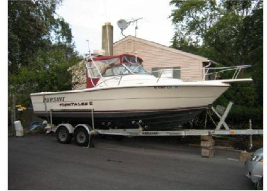 $25,000 1986 25 (ft.) Tiara Yachts Pursuit 2550 (New Power in 2006)