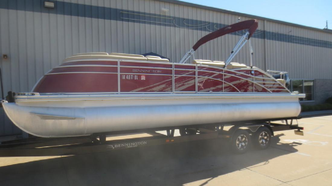 2013 - Bennington Boats - 2575 QCW in Dubuque, IA