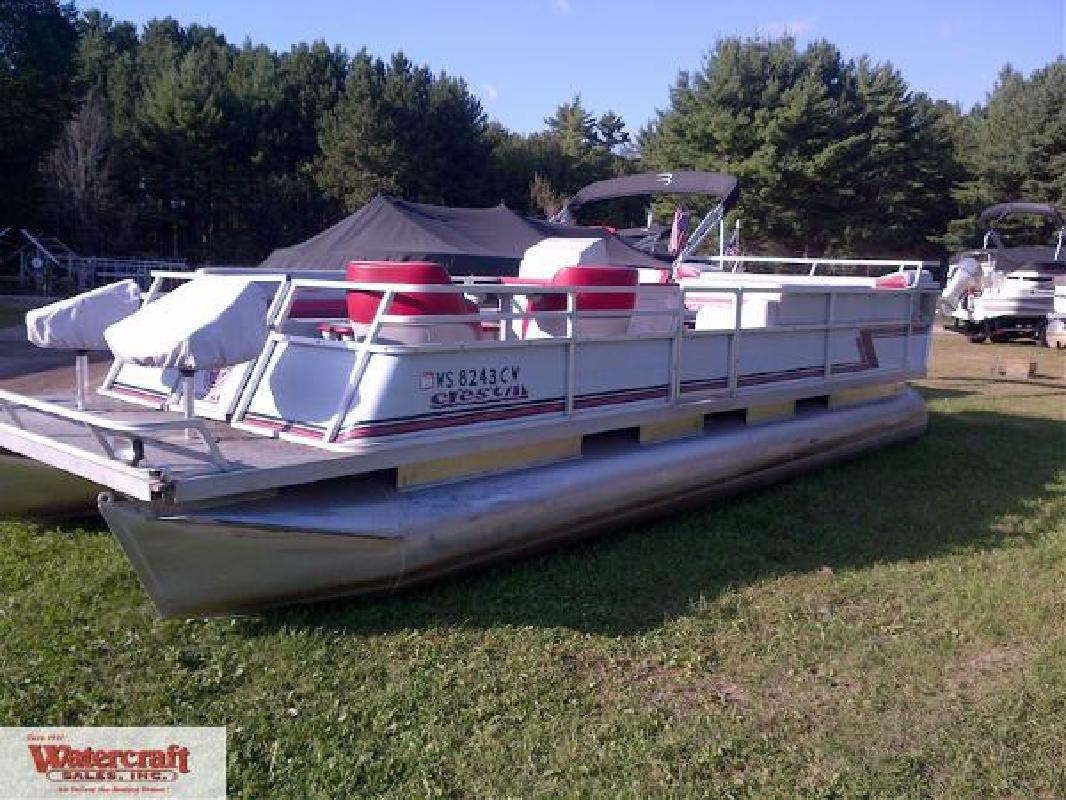 1992 25 39 Crest Iii 25 39 Pontoon Boat For Sale In Three