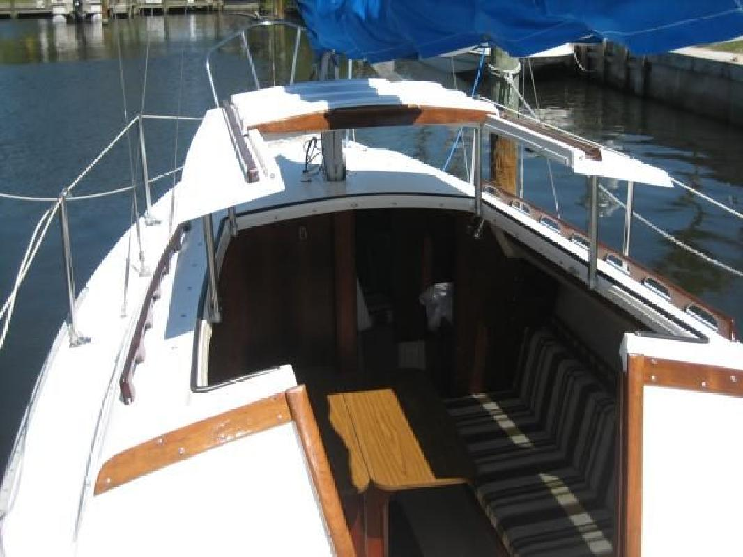 1981 25' CATALINA YACHTS 25' Pop Top for sale in Punta Gorda