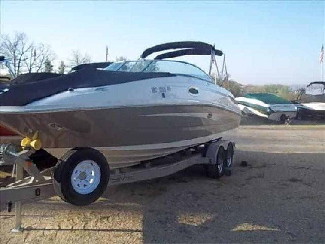 $64,569 2010 Sea Ray 260 SUNDECK
