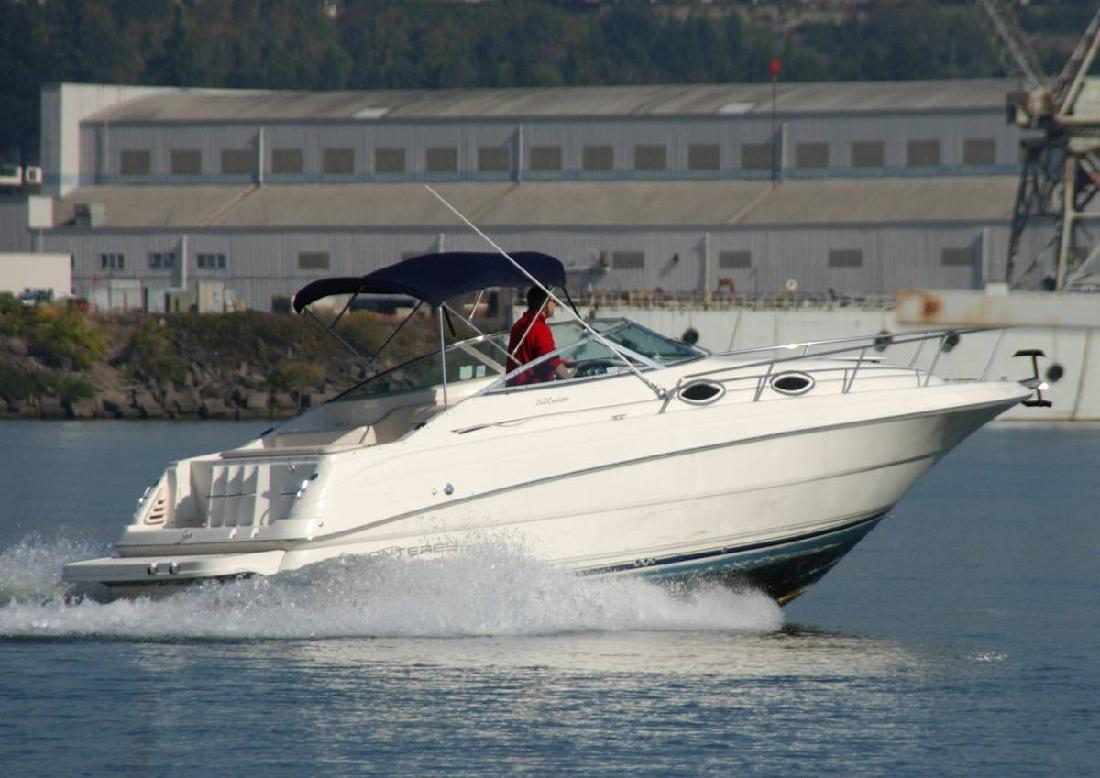 2000 26' Monterey Boats 262 Cruiser Sunbridge Express in Portland, Oregon