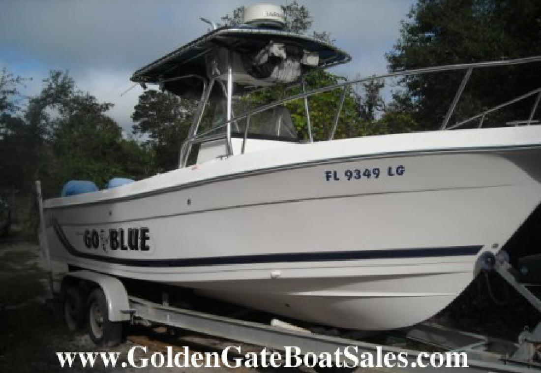 2000 26' Cobia Boats 264 Offshore Center Console