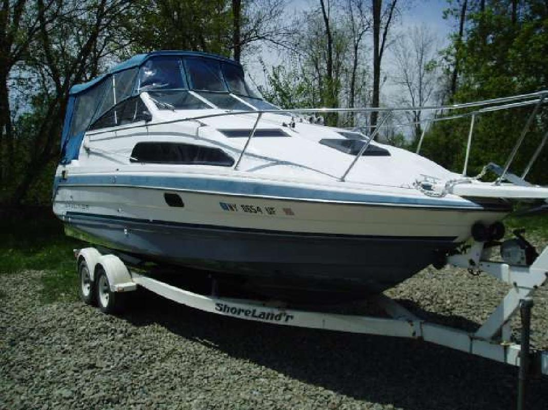 1991 26' Bayliner 2655 Ciera Sunbridge in Campbell, New York