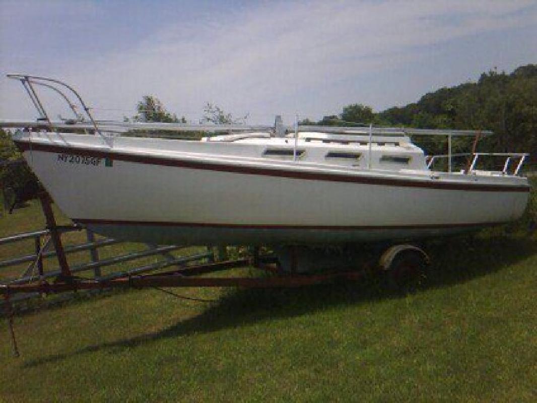 $1,200 Sailboat 26'