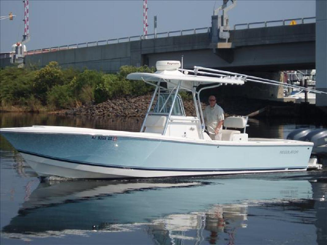 1992 Regulator 26 Classic center console fishing boats