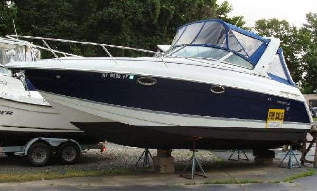 2004 28' Formula 27 PC in Westhampton Beach, New York