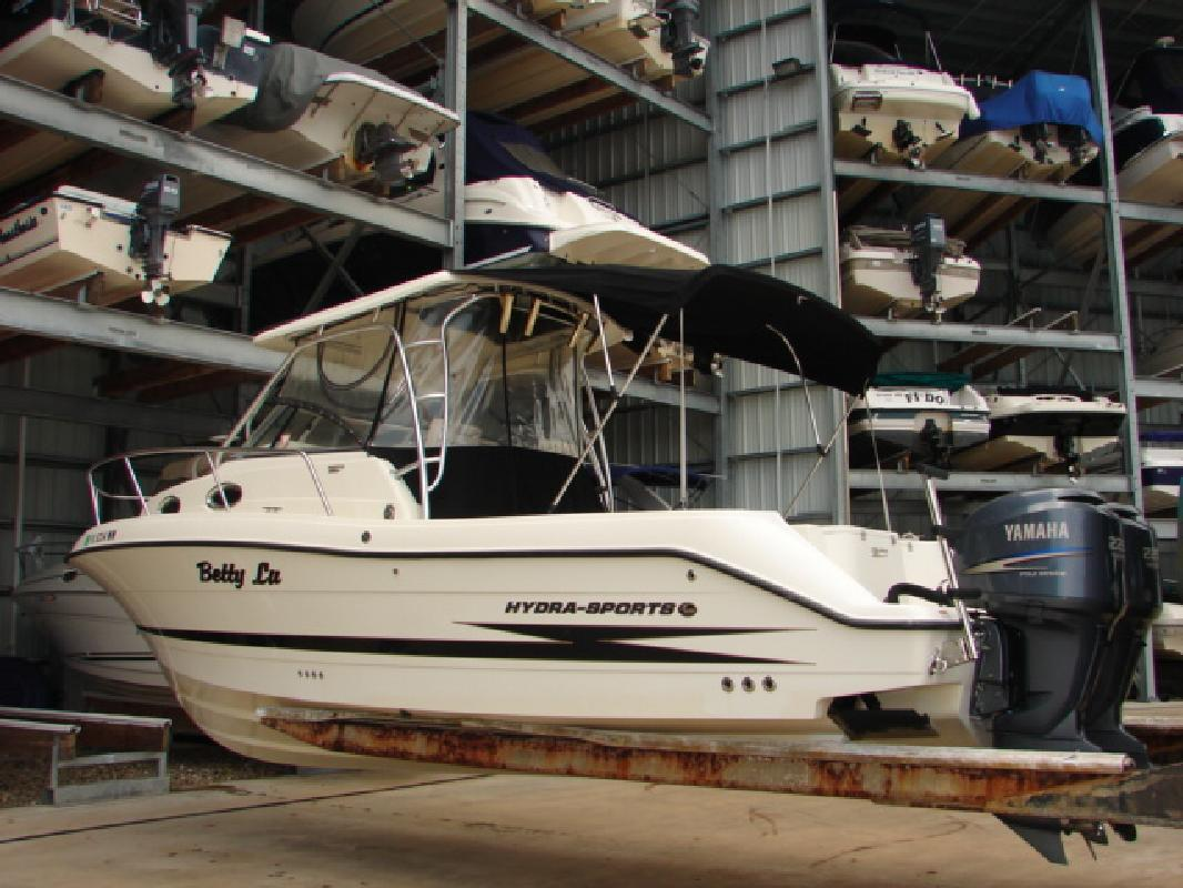 2004 28' Hydra-Sports 2800 WA in Tarpon Springs, Florida