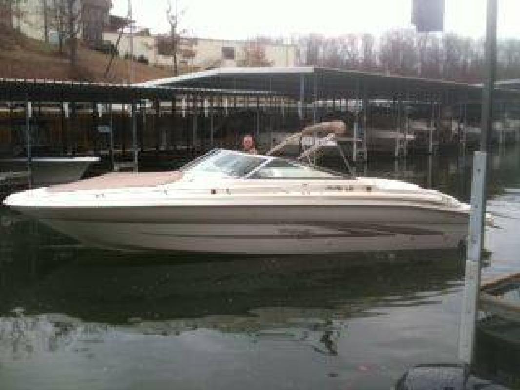 $29,900 1998 Sea Ray 280 BOW RIDER