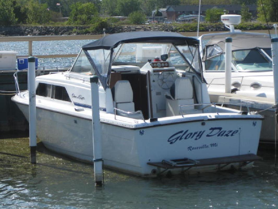 1978 28' Chris-Craft 280 Catalina in Harrison Township, Michigan