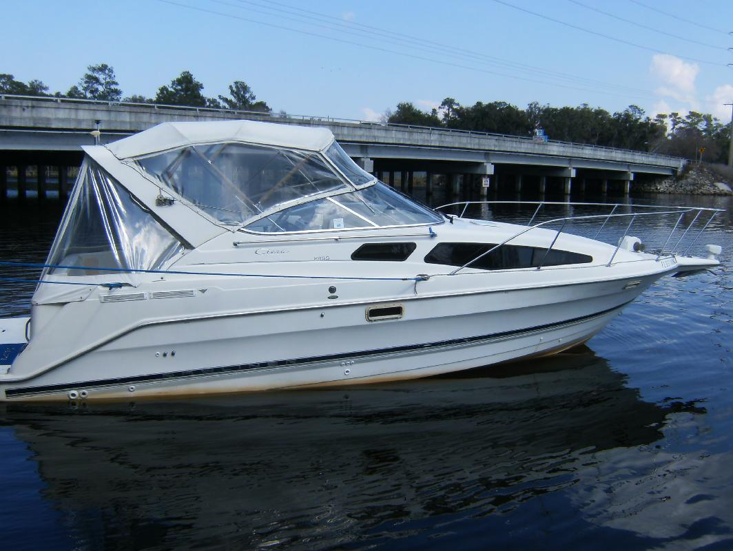 1999 30' Bayliner 2855 Ciera Sunbridge in Jacksonville, Florida