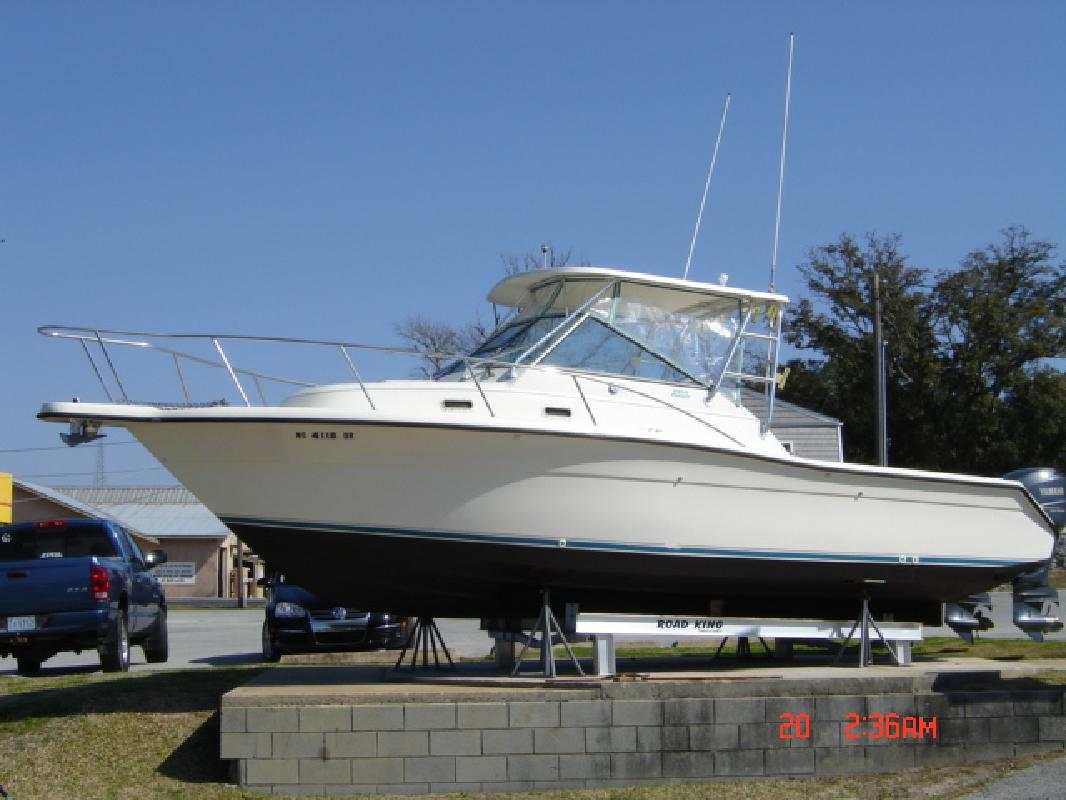 1993 28' Pursuit Boats 2855 Express Fisherman. Contact the seller