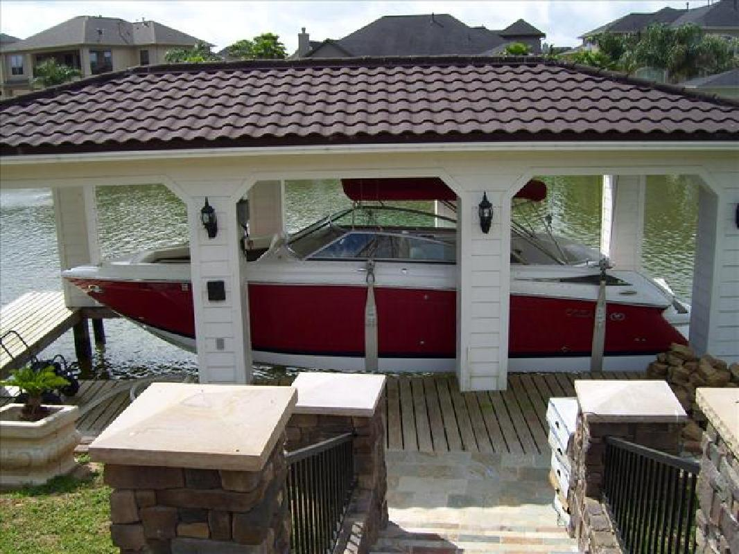 2007 30' Cobalt Boats 302 BOW RIDER in Seabrook, Texas