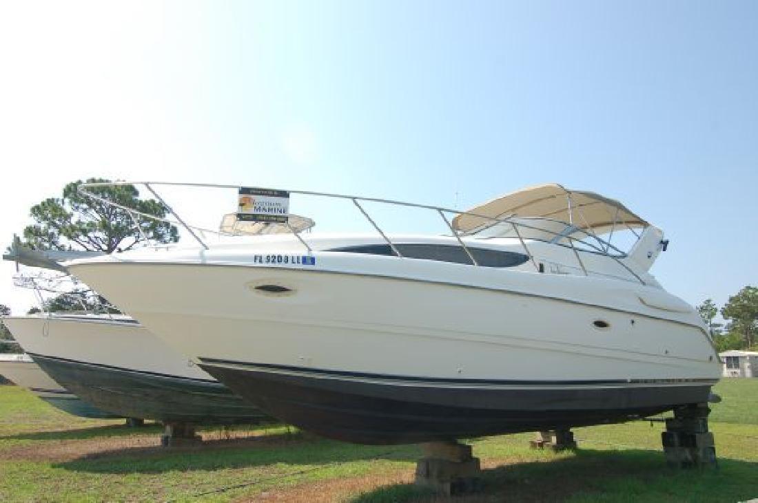 1999 30' Bayliner 3055 Ciera in Hampstead, North Carolina