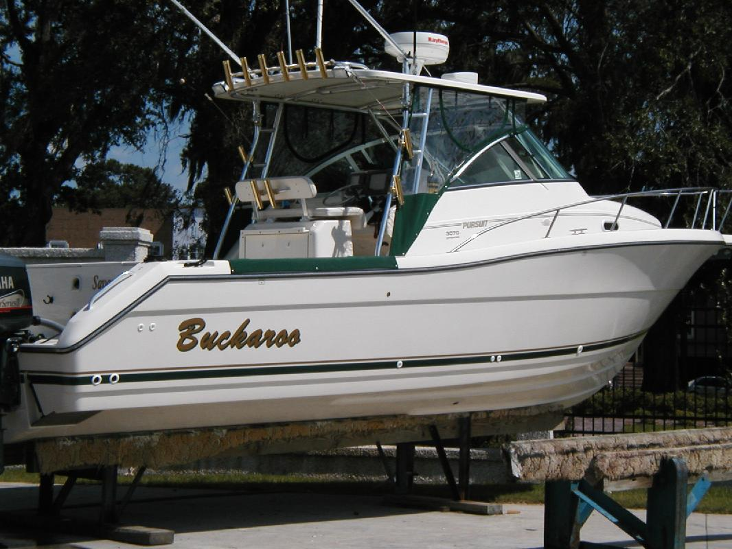 2000 30' Pursuit Boats 3070 Offshore Center Console in Orange Beach, Alabama