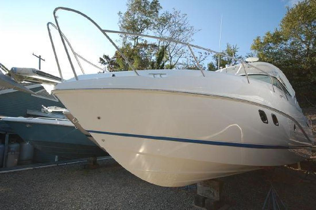 2011 31' Rinker 310 Express Cruiser