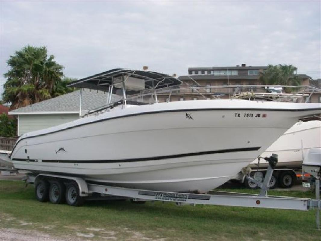 2000 32' Century Boats 3200 Center Console in Port Aransas, Texas