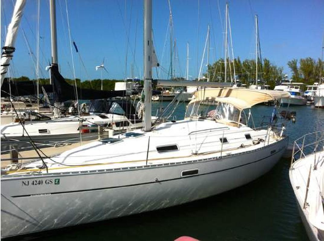 2003 33' BENETEAU USA 331 Owners Version