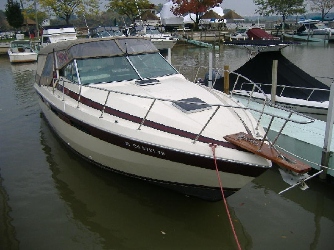 1986 33' Chris-Craft 336 COMMANDER