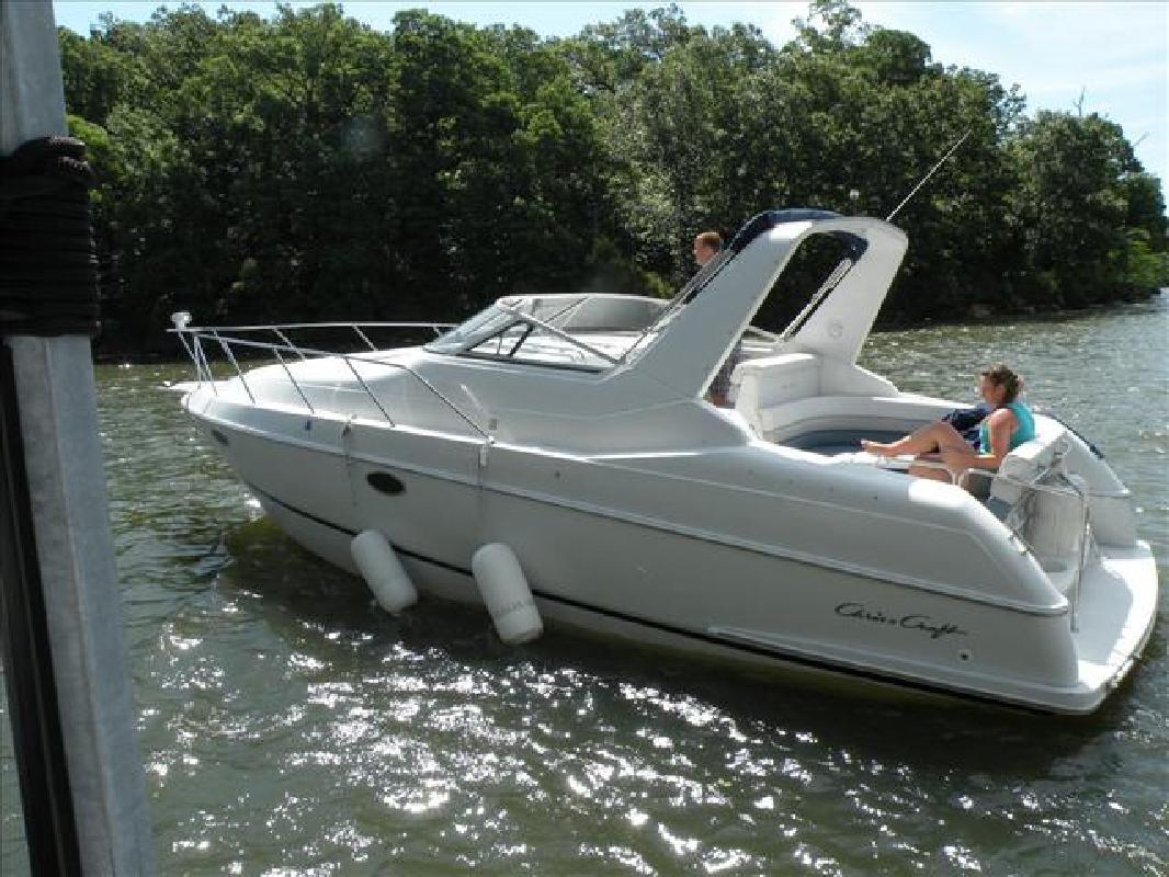 1993 33' Chris-Craft 33 CROWNE in Lake Ozark, Missouri