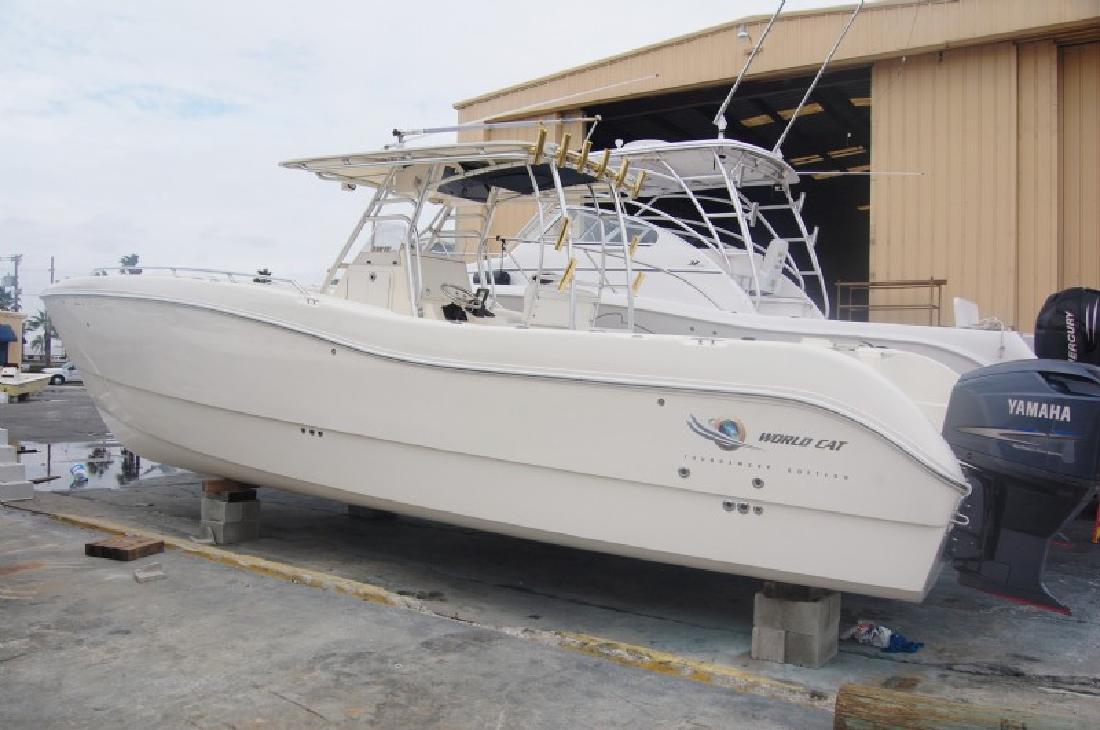 2004 33' Worldcat 33 TE Catamaran