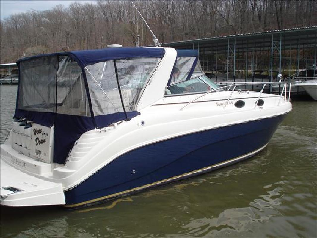 2005 34' Rinker 342 FIESTA VEE in Lake Ozark, Missouri