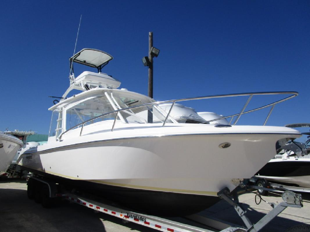 2013 Everglades Boats Cabin 350 LX Rockledge FL