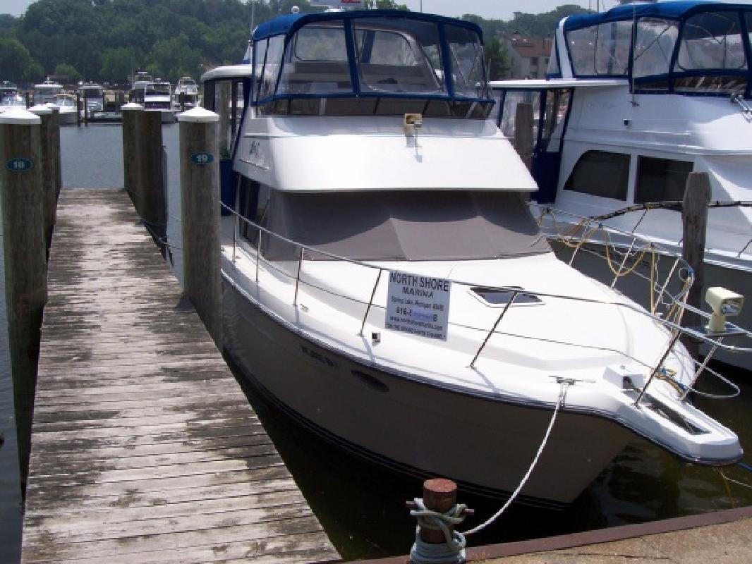1995 35' Carver 355 Motor Yacht