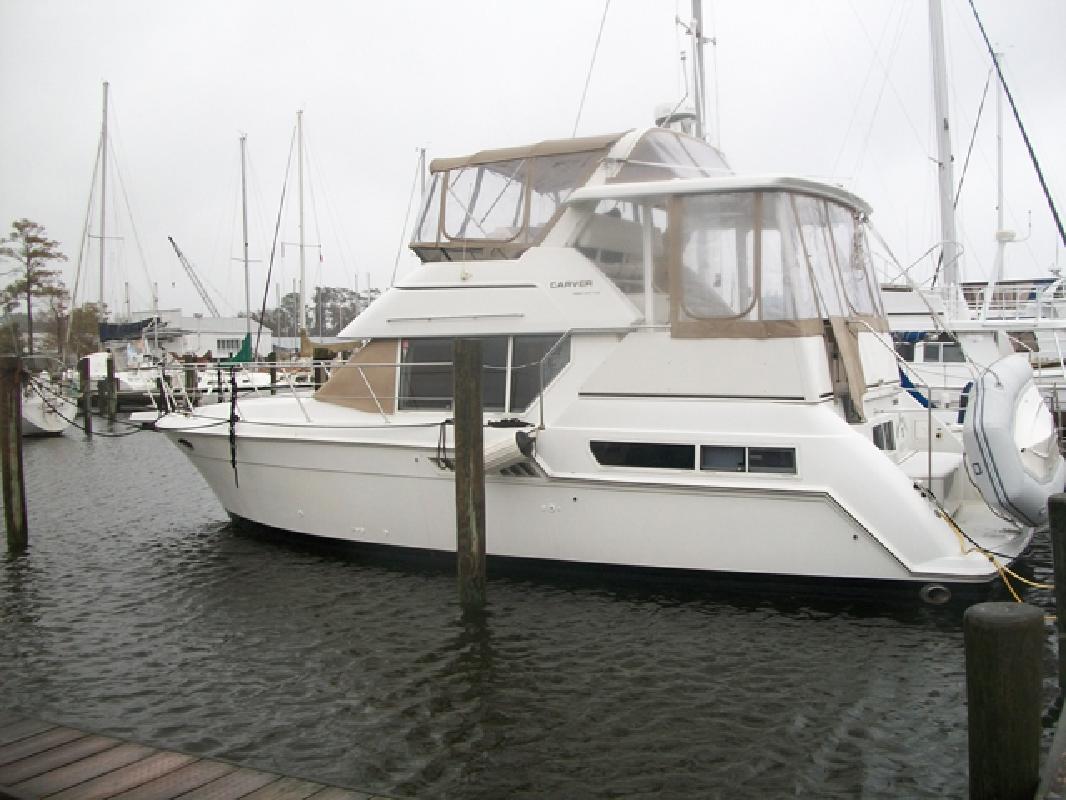 1997 35' Carver 355 Motoryacht