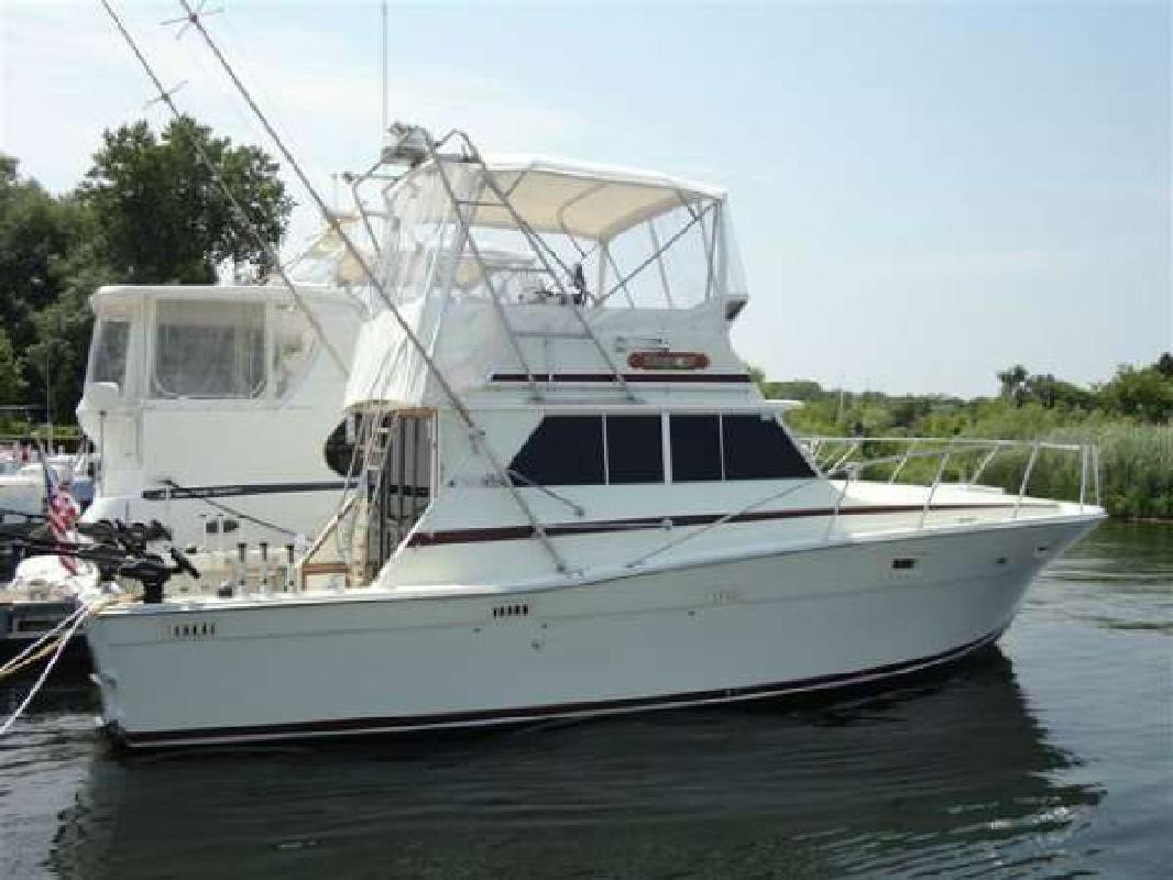 1979 VIKING YACHT Viking 35 Convertible DePere WI