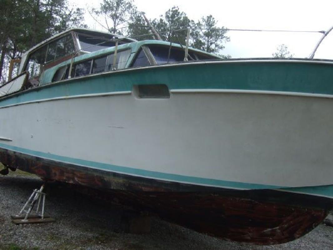 1972 35' Chris-Craft 35' roamer