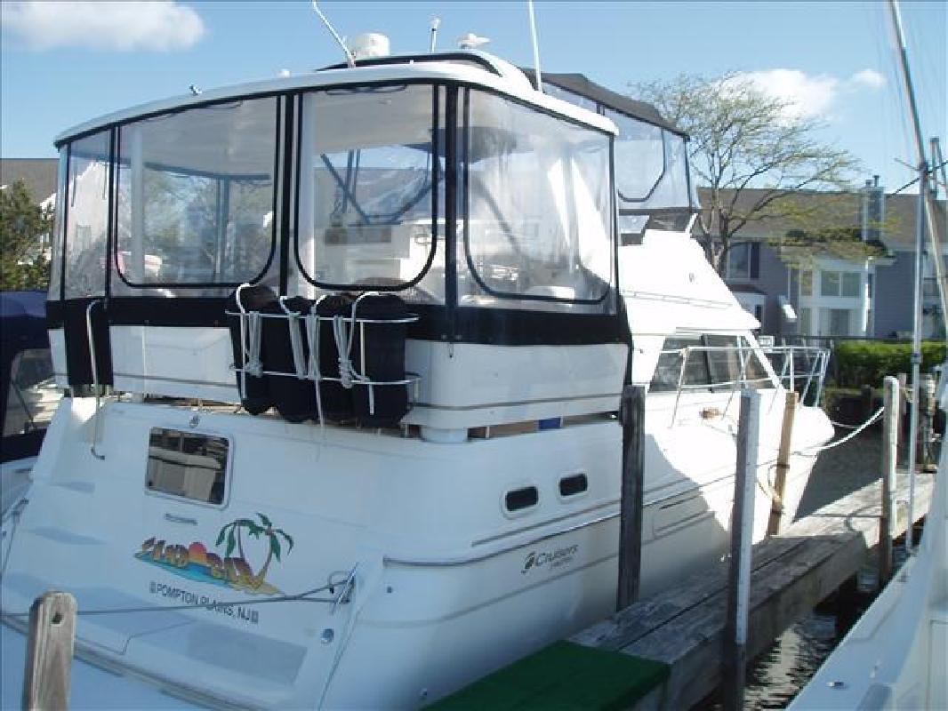 1998 37' Cruisers 3650 Aft Cabin