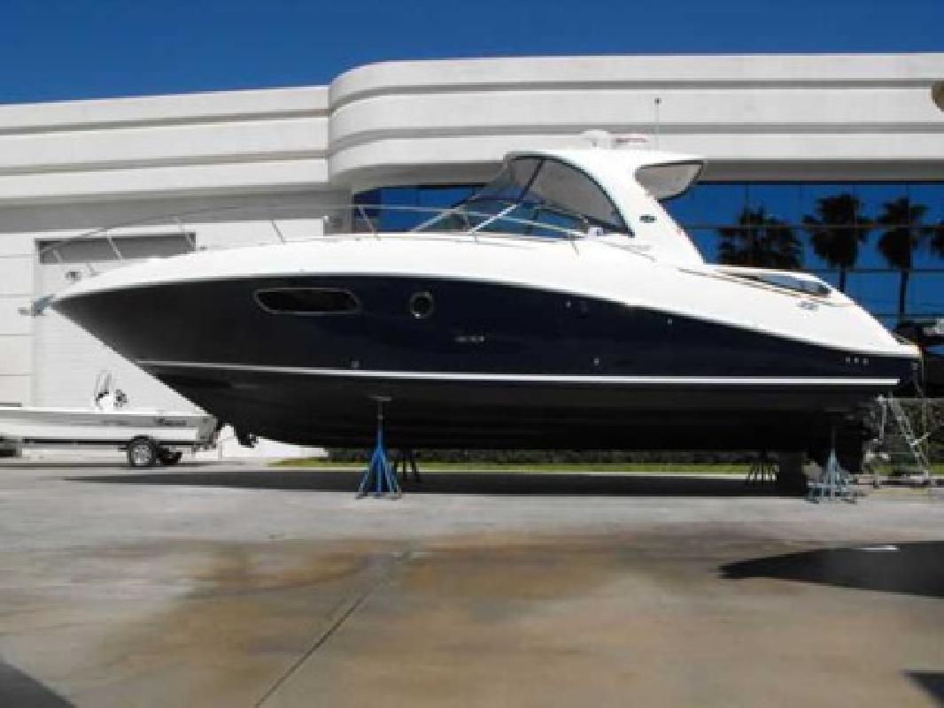 $288,750 2011 Sea Ray 37 SUNDANCER
