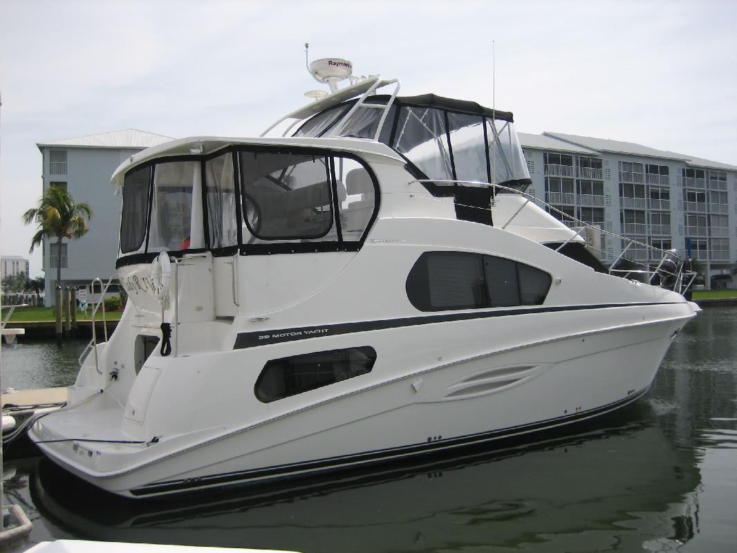 2005 39' Silverton 392 Motor Yacht in Fort Myers, Florida