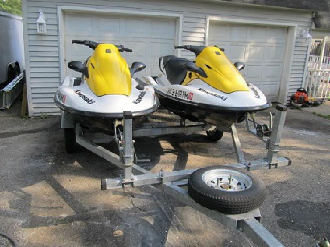 $3,006 2006 2 Pwc - Kawasaki 900 Stx 3 Person Jet Skis Like New