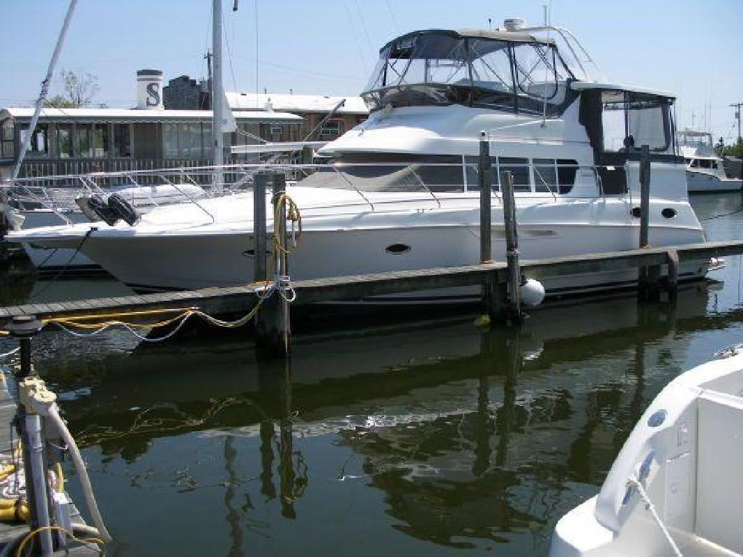 1996 40' Silverton 402 Motor Yacht
