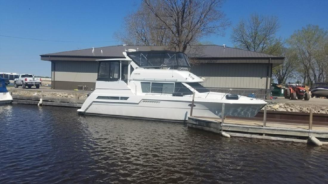 1998 Carver Yachts 405 Oshkosh WI