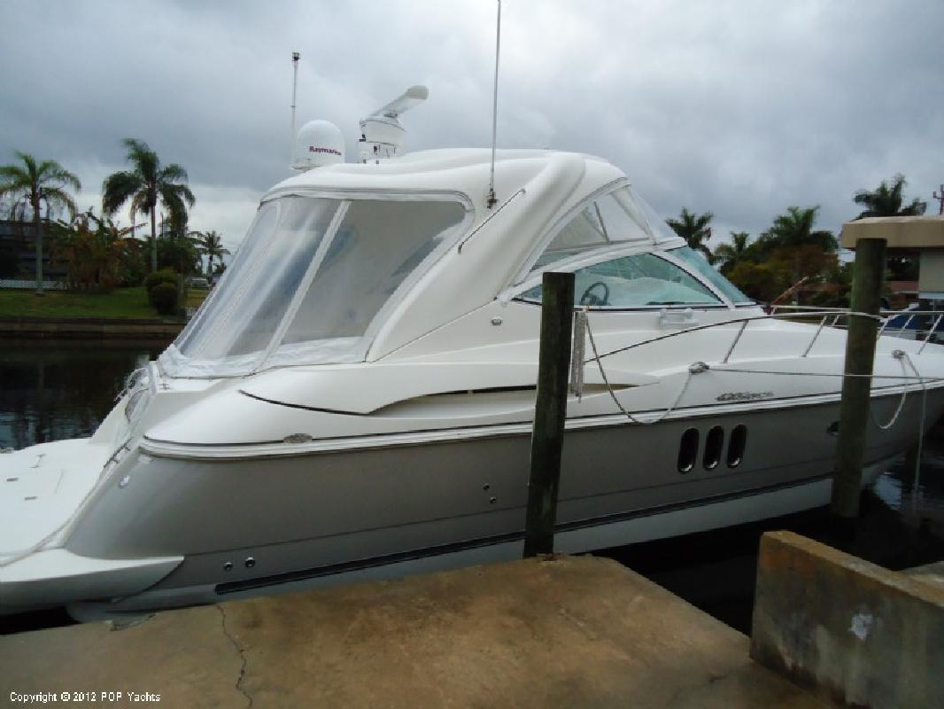 2005 42' Cruisers 420 Express