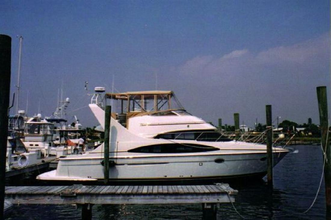 2004 42' Carver 42 Mariner