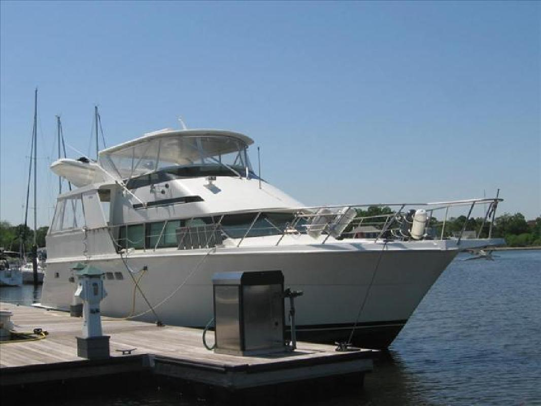 1998 50' Hatteras Yachts 50 SPORTDECK MOTOR YACHT. Contact the seller