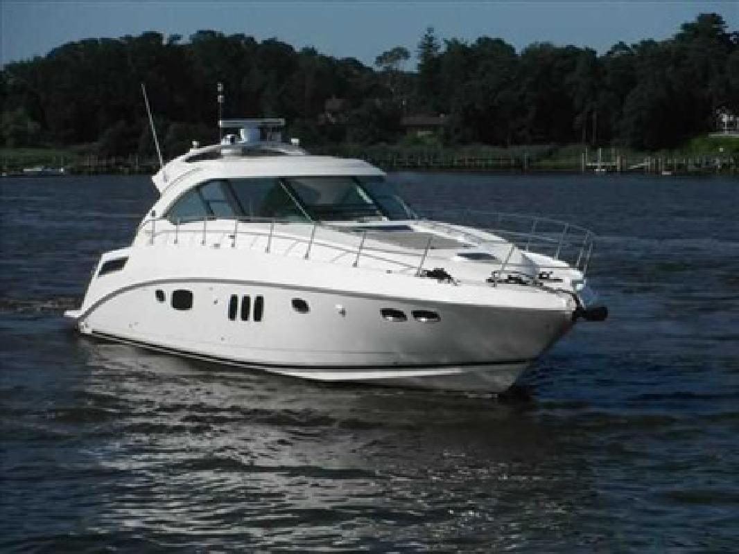 $899,995 2010 Sea Ray 54 SUNDANCER