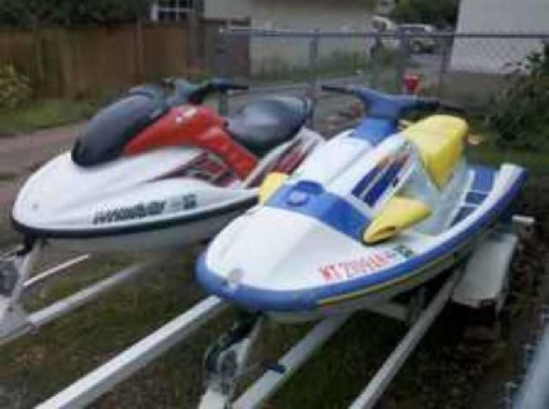 $7,500 2003 Yamaha Jet Skis GP 800 - Wave Raider 700