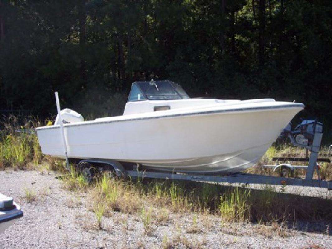 $1,800 1982 Proline 23 Foot Cuddy Cabin with a 1994 200 Hp
