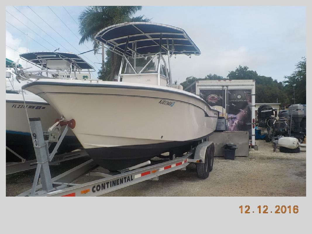 2000 - Grady-White Boats - 247 Advance in Key Largo, FL