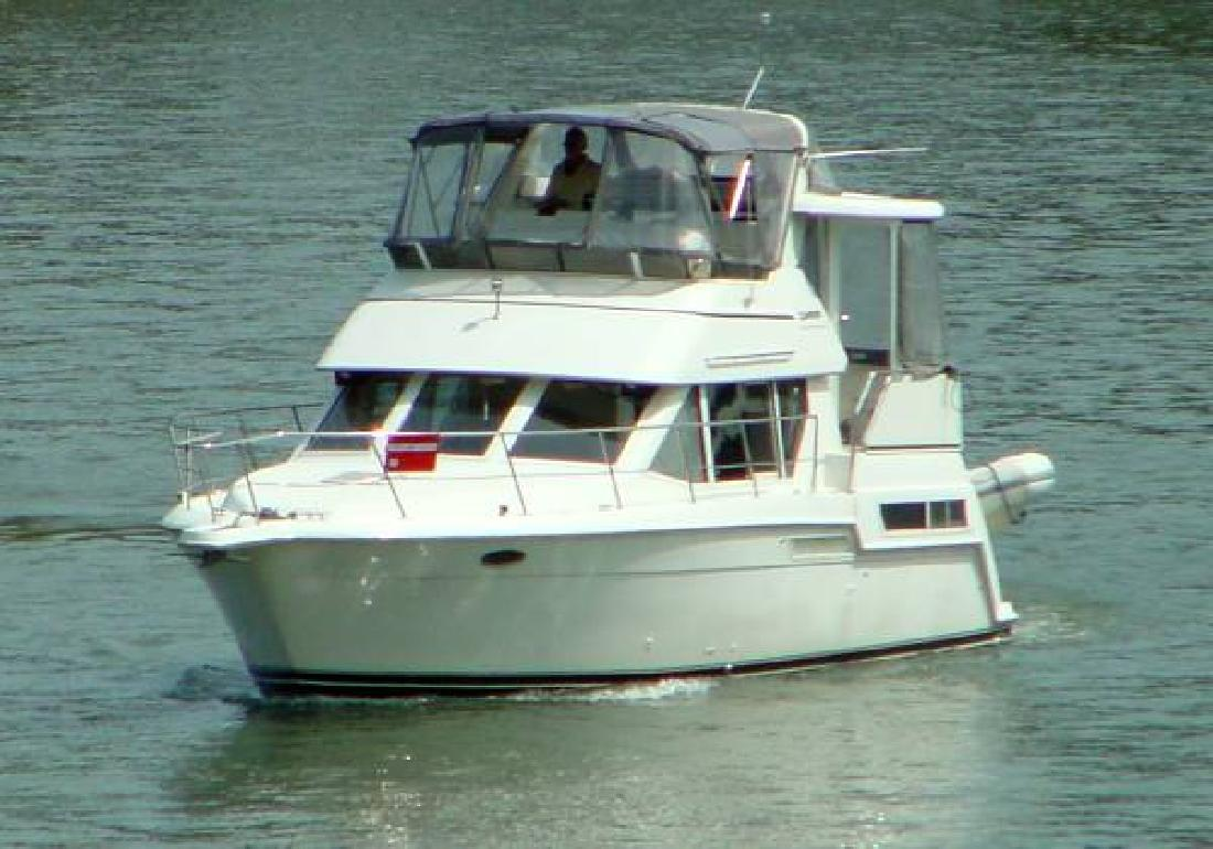 1997 35 39 Carver 355 Aft Cabin Motor Yacht For Sale In