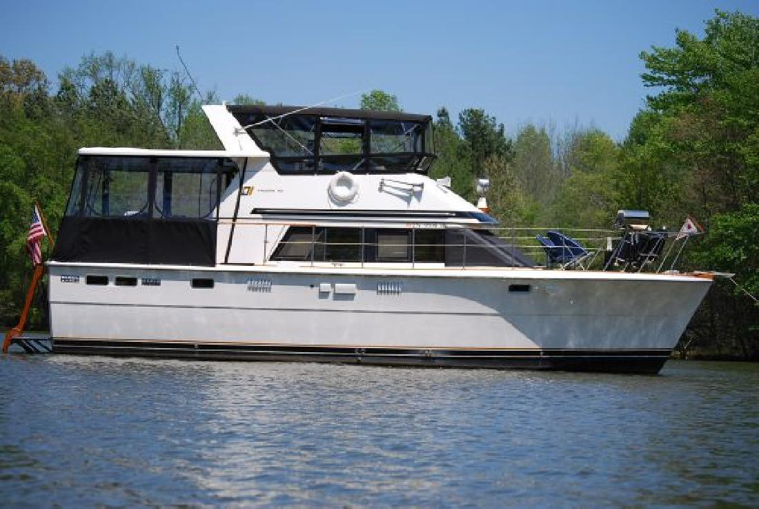 Boat Nut Magazine: TROJAN 40 AFT CABIN REVIEW / WHY THIS BOAT IF YOU