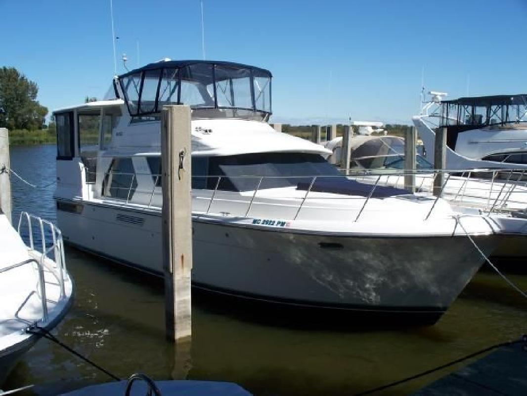 1995 44 39 Carver 440 Aft Cabin Motor Yacht For Sale In