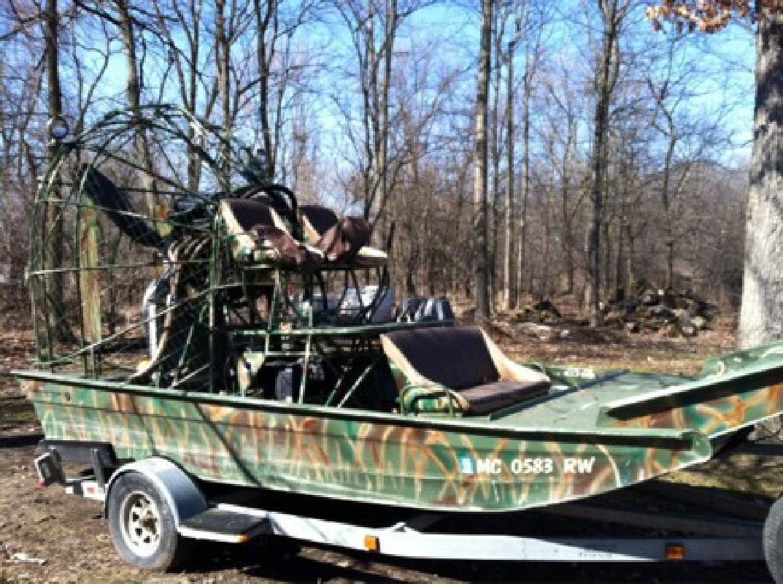 $15,500 2005 Diamondback Air Boat