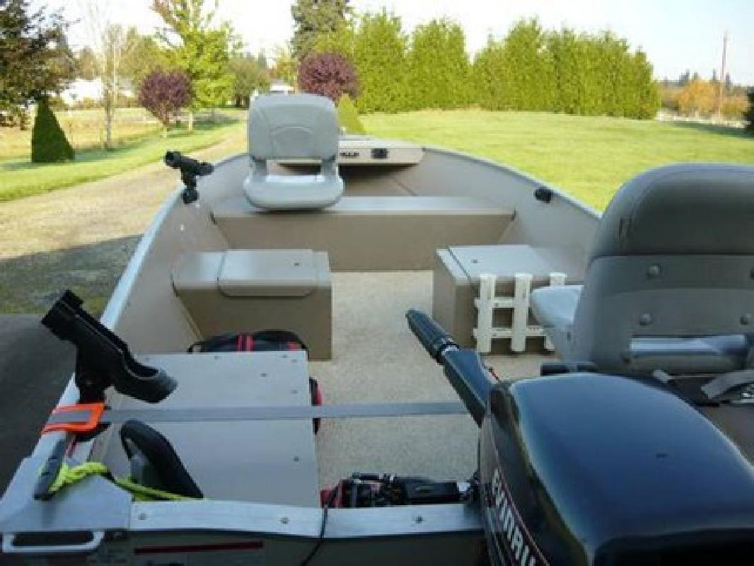 $4,700 14' Lowe 2009 Aluminum Fishing Boat